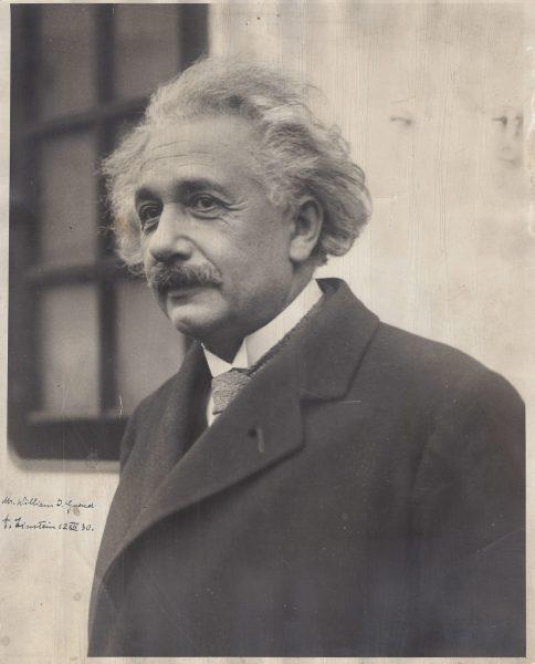 Albert Einstein Signed Photo Metropolitan Opera   Raab Collection